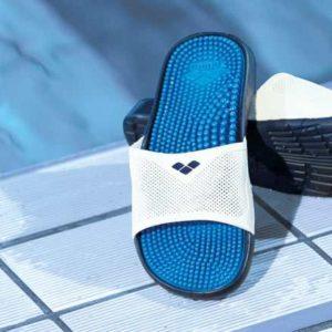 Сланцы и обувь Arena